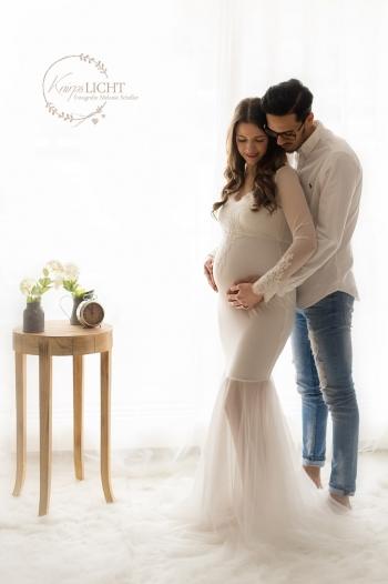Schwangerschaftsshooting mit Mann