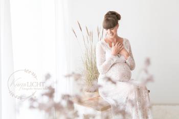 Exclusive Bellyfotos mit außergewöhnlichen Babybauchkleidern