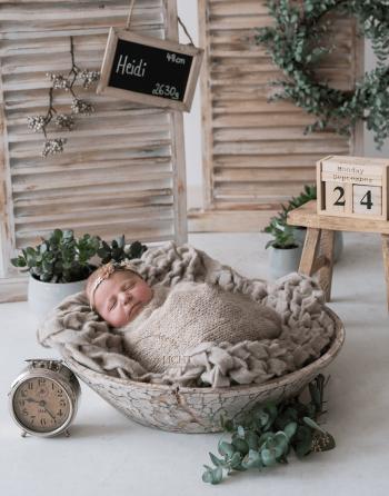 Babyfotos mit Daten wie Geburtsdatum, Geburtszeit, Größe und Gewicht