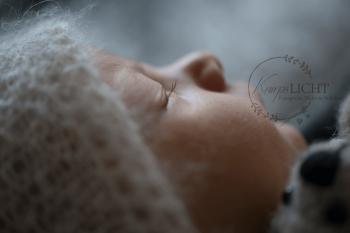 Close Up von der Babyfotografin beim Neugeborenenshooting