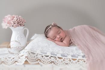 Vintage Fotos vom Baby in zartem Rosa